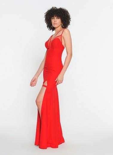 Zeynep Ökmen Uzun Krep Göğüs Ve Sırt Dekolteli Vonteese Elbise Kırmızı